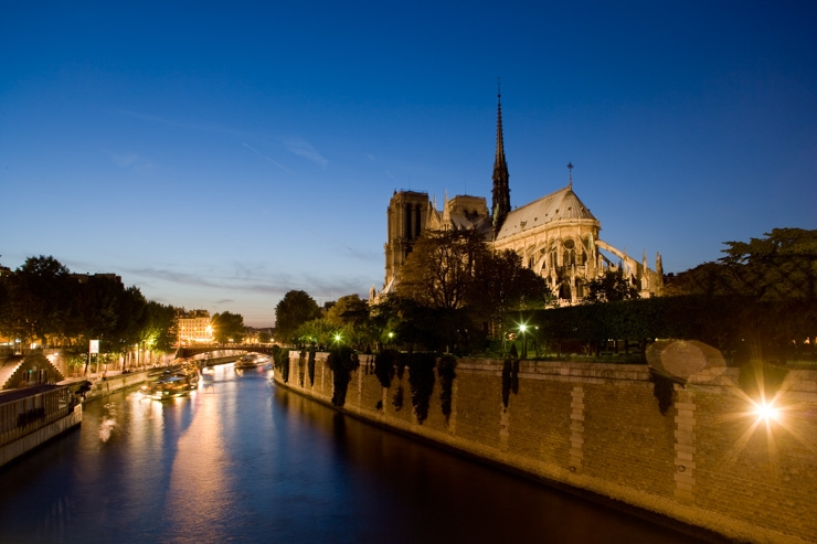 France, Paris, Ile de la Cite, Notre-Dame at night