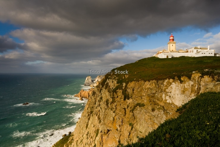 Portugal, Sintra, lighthouse of Cabo da Roca on cliff above Atla
